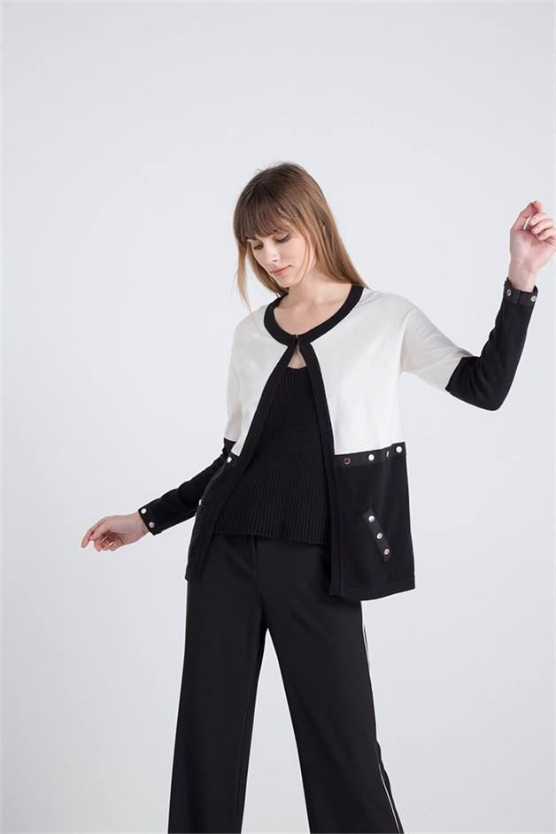 Color Blocked Knitwear Waistcoat With Metal Accessory Blackwhite